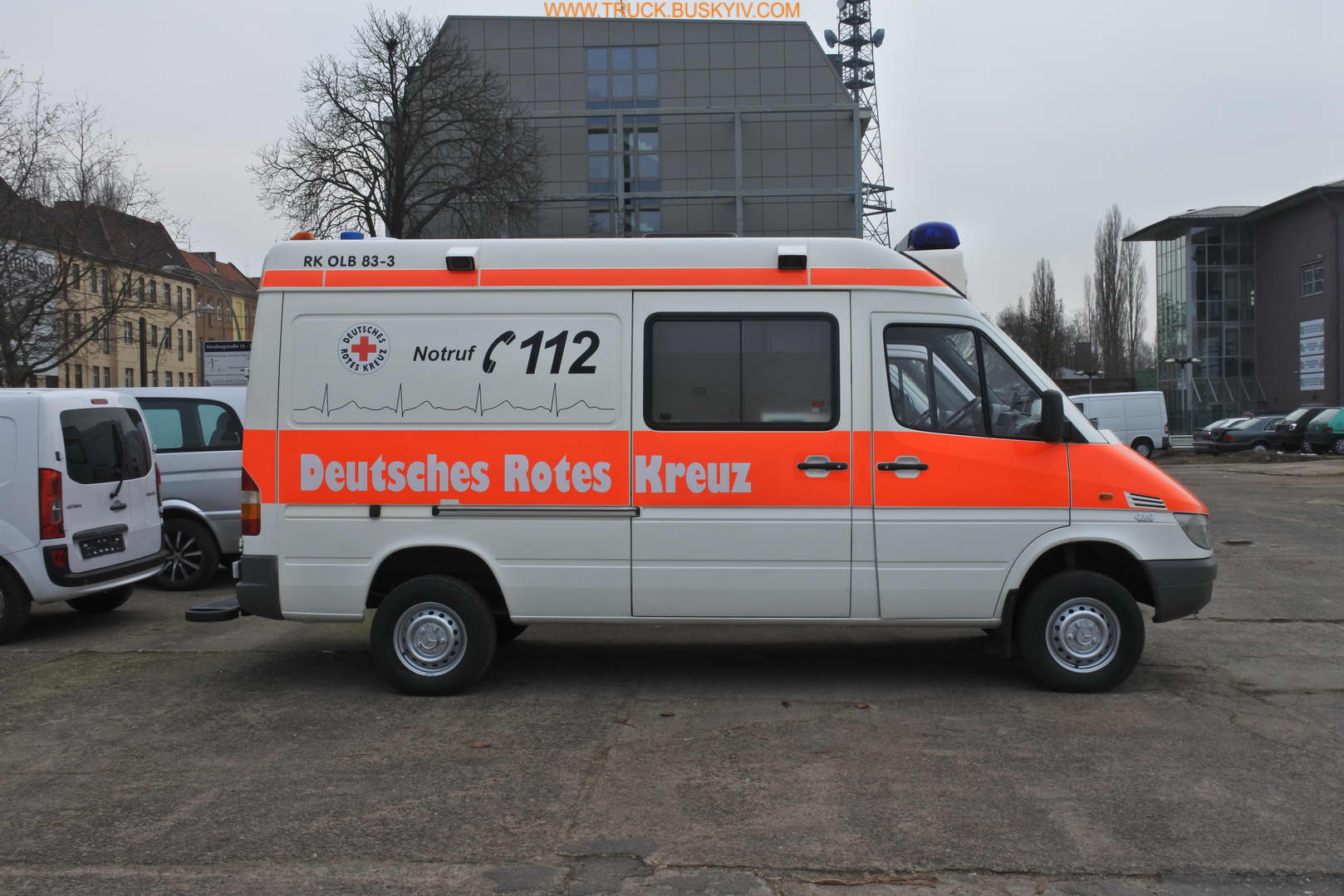 2002_mb_spr316_ambulance_3