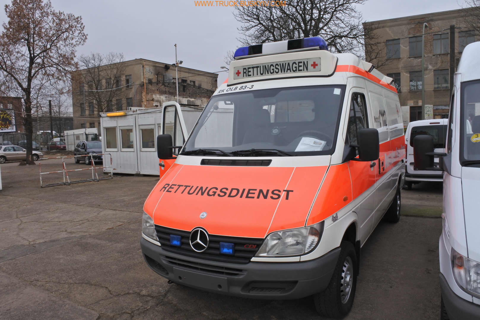 2002_mb_spr316_ambulance_4