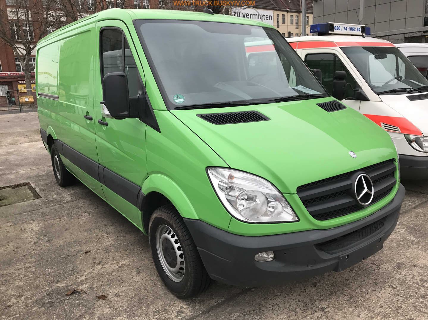 2012_mb_sprinter313_green_02