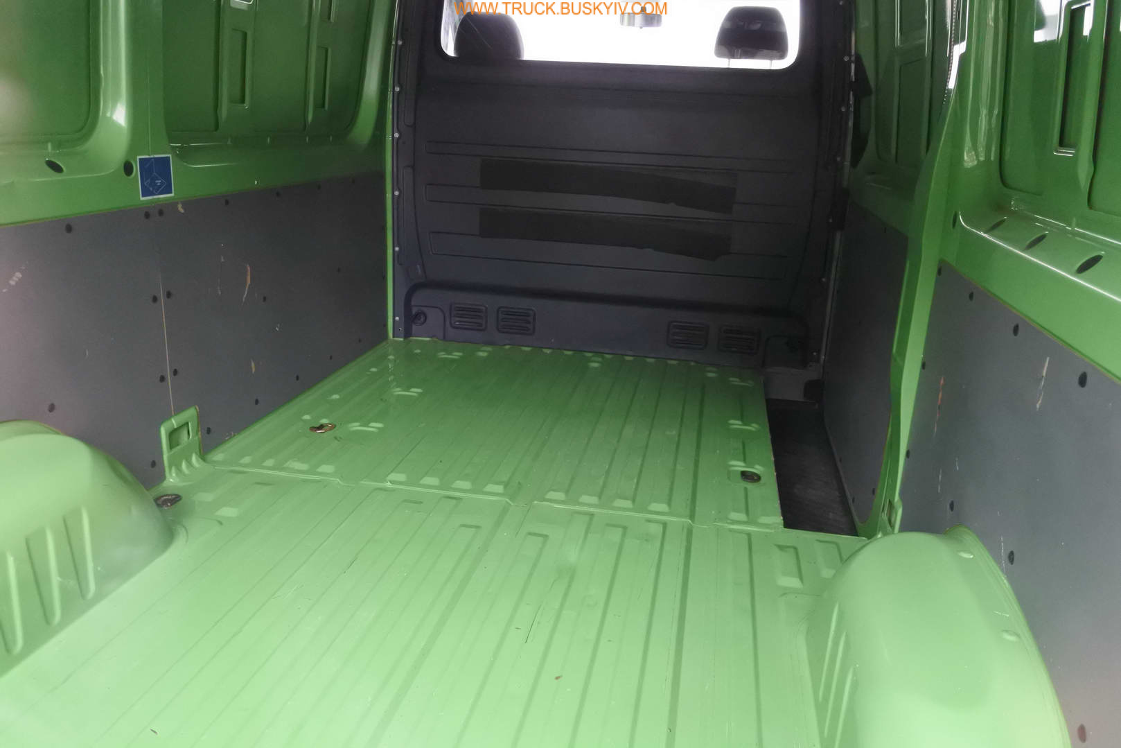 2012_mb_sprinter313_green_15