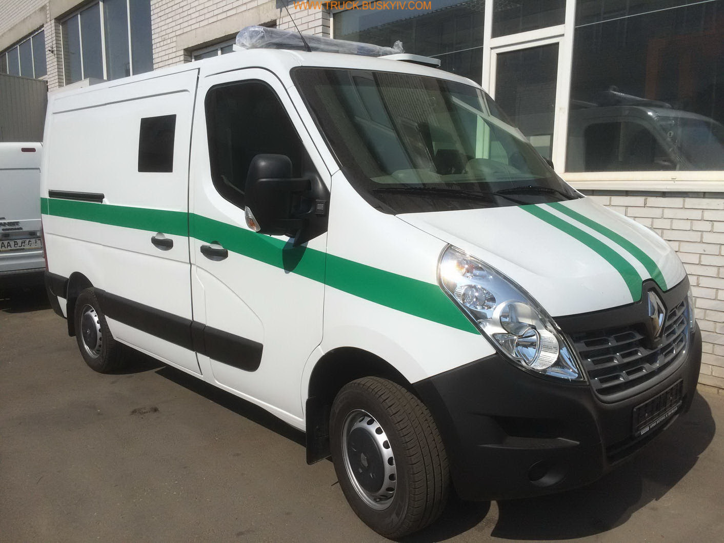 2015_renault_master_armor_1